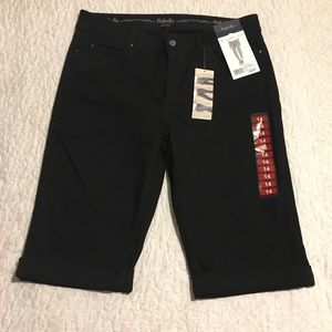 Rafaella black denim capris Sz 14